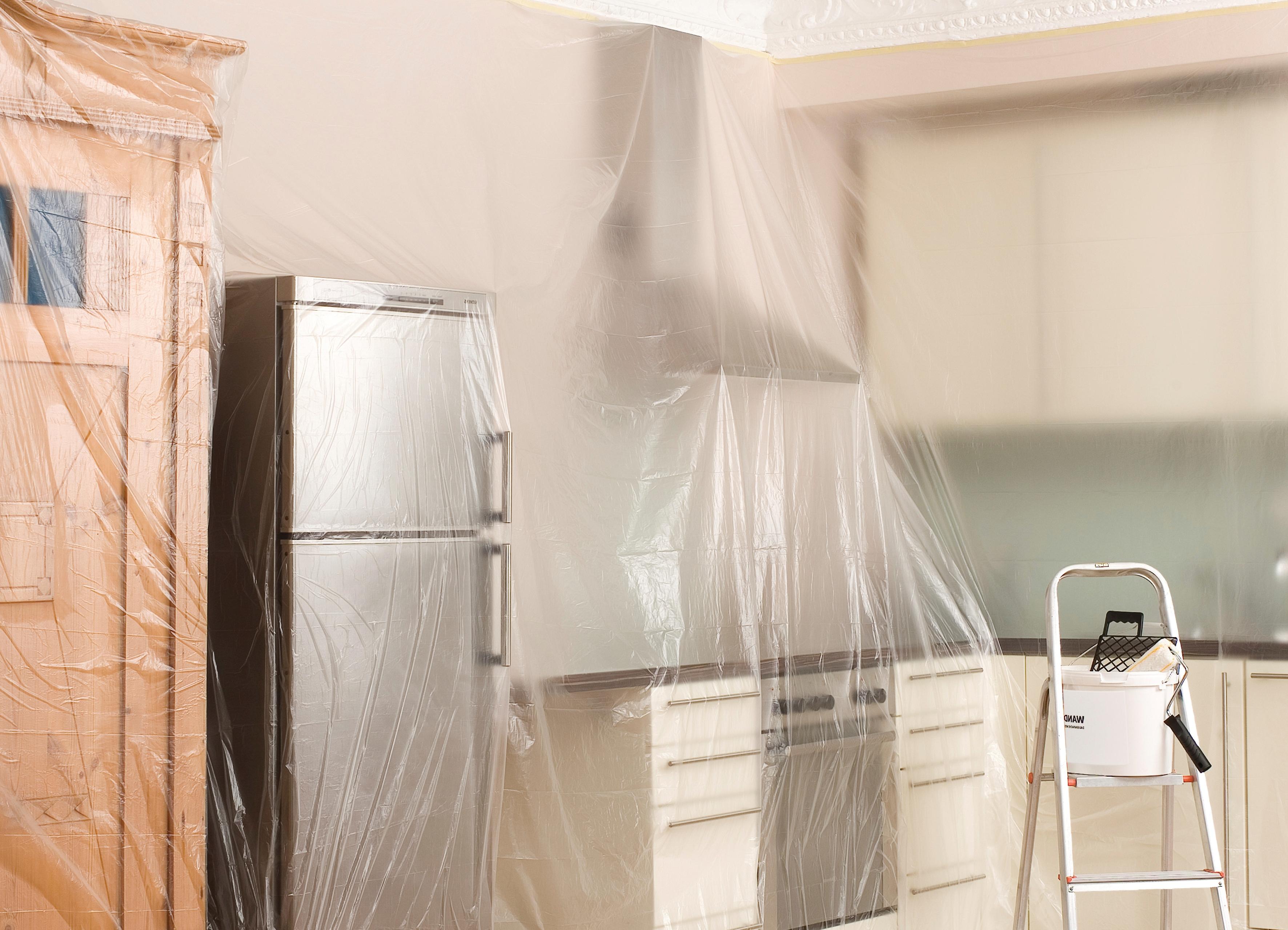Подготовка помещения к снятию жидких обоев