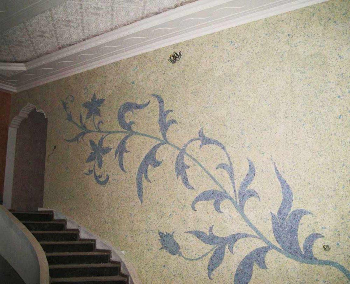 Рисунки жидкими обоями в коридоре